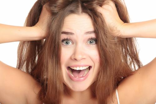 Como evitar o frizz e a queda de cabelo no inverno