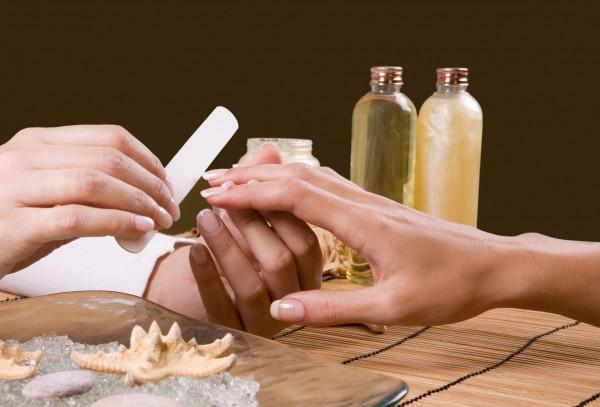 Unhas muito mais bonitas e saudáveis com o Detox para unhas
