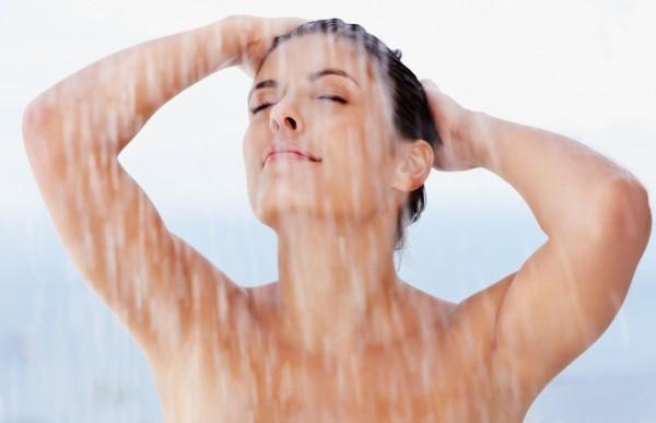 7 erros no banho que acabam com a beleza da pele (Foto: Divulgação)