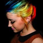 Cabelos-Cacheados-com-Mechas-coloridas-09