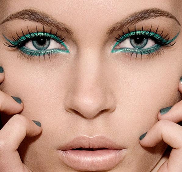 Cor verde-esmeralda - Aposta para o verão em esmaltes e maquiagem1