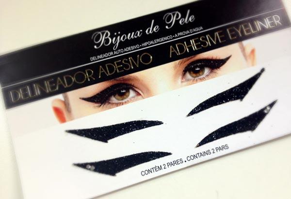 Delineador adesivo para os olhos1