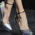 Efeito-holográfico-nos-calçados-–-verão-2014-08