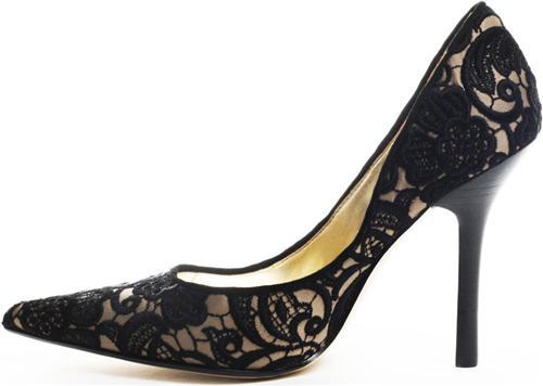 Sapatos-Com-Renda-–-Tendência-1013-05