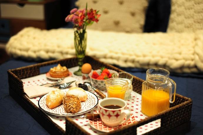 Surpresa para o namorado - Café da manhã na cama