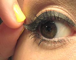 Delineador adesivo para os olhos