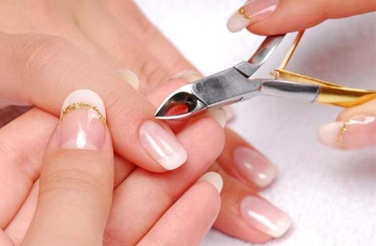 manicure em casa: remover cutículas