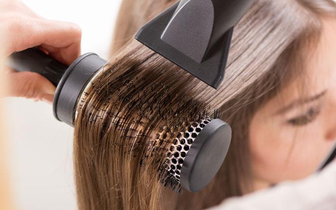Truques para fazer a escova do cabelo durar mais tempo