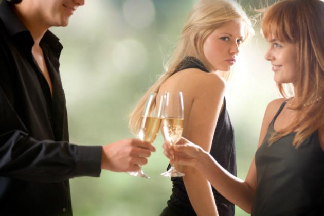 Saiba como lidar com namorado ciumento