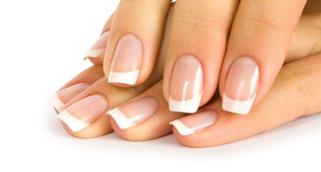 Cuidados com as unhas no verão