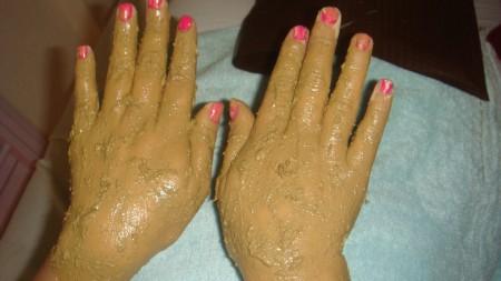 Como-tratar-as-manchas-senis-nas-mãos-03