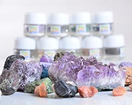 Unhas-Com-Pedras-Preciosas-Muito-Mais-Bonitas-e-Chiques-04