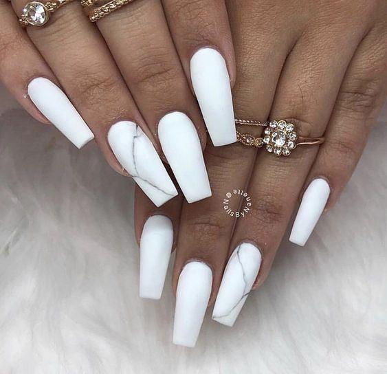 Unhas brancas