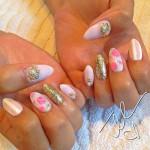 Unhas-decoradas-com-flores-para-2014-09