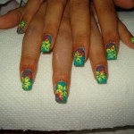 blue-nails-with-yellow-flower