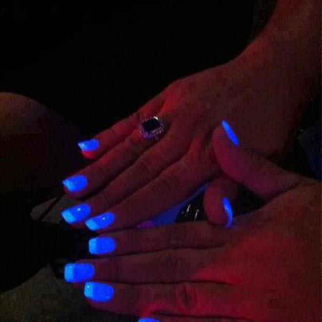 unhas que brilham no escuro1