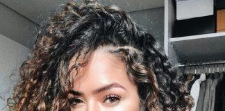cabelos cacheados com as mechas californianas
