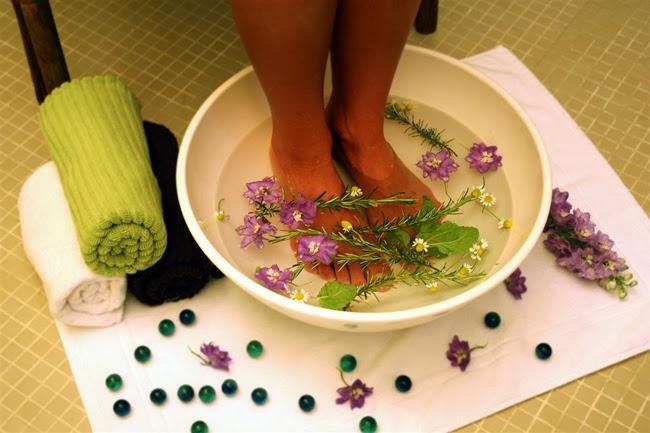 Spa dos pés como fazer relaxamento e automassagem em casa