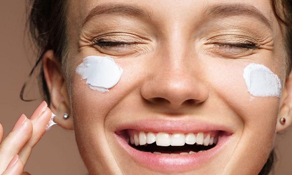 Como cuidar e proteger a pele deixando-a mais viçosa