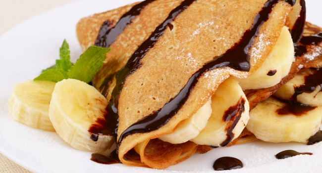 Crepes with chocolate sauce