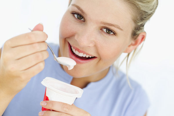 Emagreça-rapidamente-com-saúde-fazendo-a-dieta-do-iogurte-01