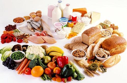 Ingerir proteína é essencial na dieta, mas excesso causa riscos à saúde