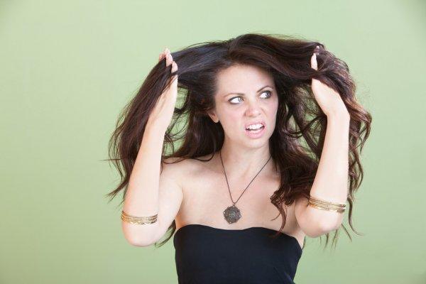 Como acabar com o frizz no cabelo