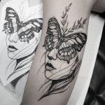 tatuagem borboleta com flores