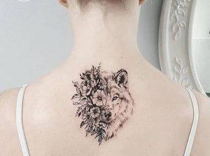 Tatuagem feminina: lobo