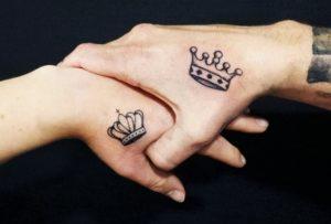 tatuagem rei e rainha coroas