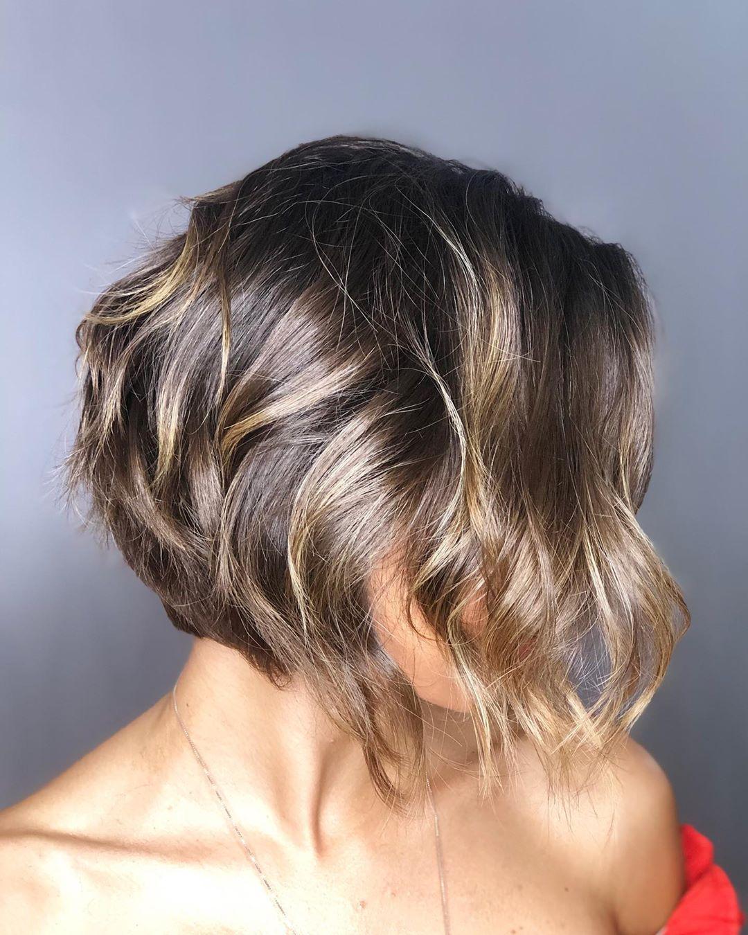 cabelos repicados curtos