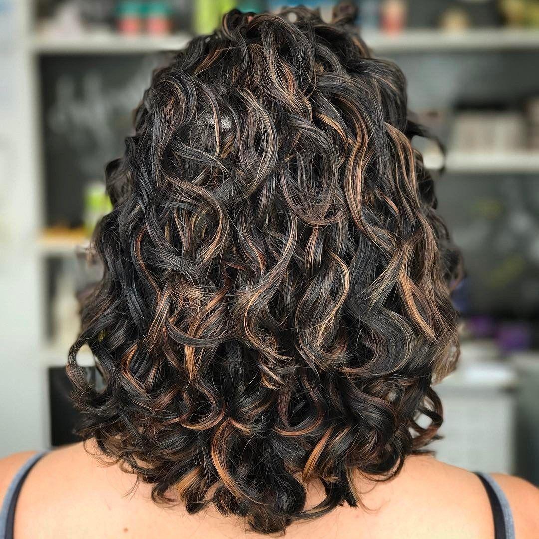 cabelos repicados ondulados