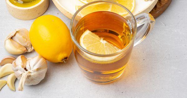 Infusão de gengibre, limão e alho
